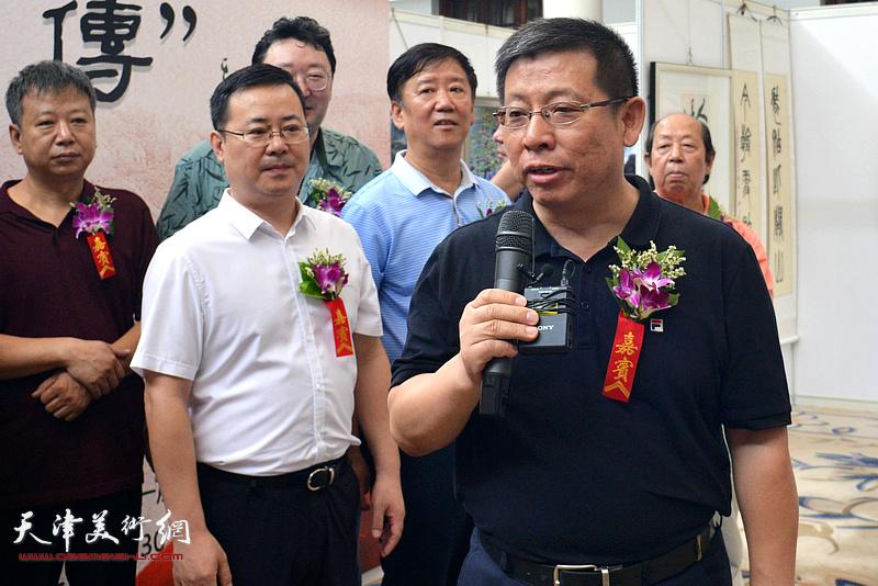民建天津市委会副主委兼秘书长栗庆林致辞。