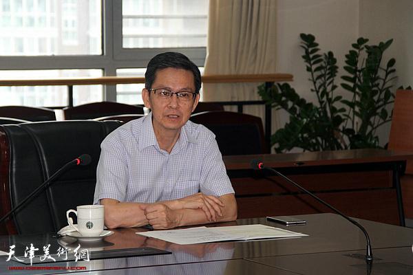 中国美术家协会副主席、天津画院名誉院长何家英讲话