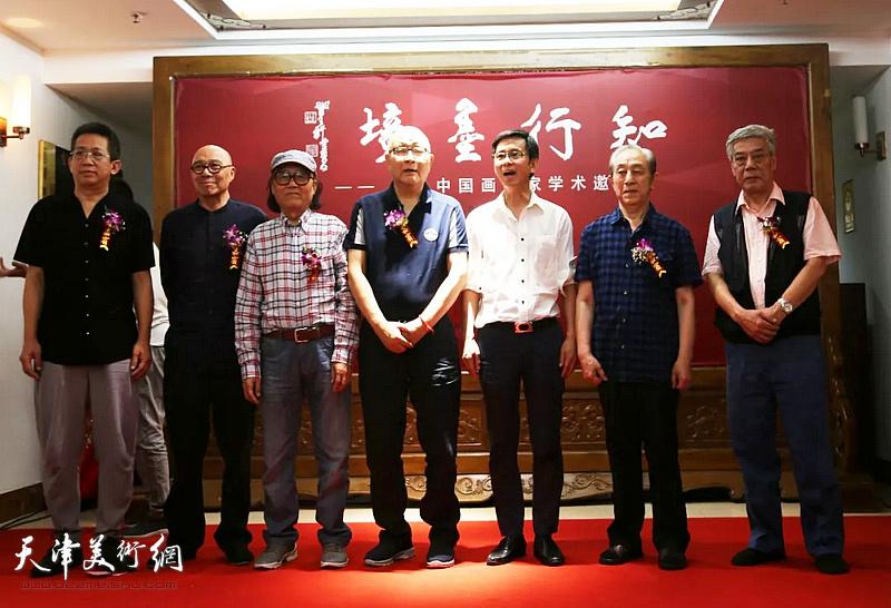 左起:李毅峰、王涛、石齐、何家英、龙瑞、李魁正、陈永锵