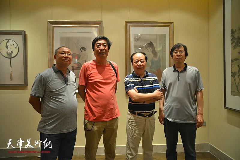 左起:刘文山、杜晓光、赵寅、路洪明在画展现场