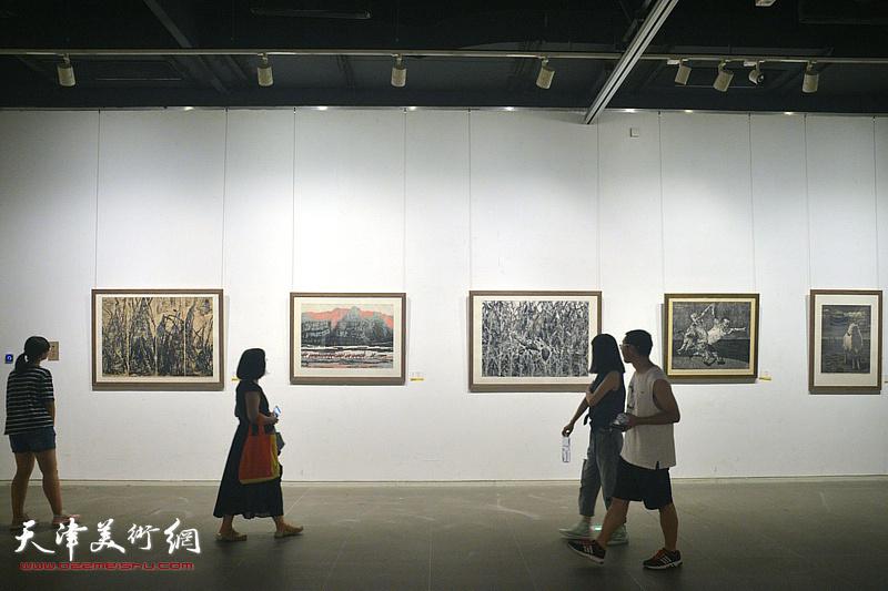 环渤海风采-2018京津冀鲁辽水彩粉版画作品邀请展现场。