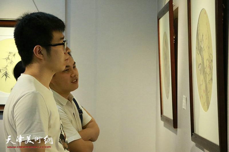 """翰墨澄怀—2018庆""""八一""""天津市群艺国画沙龙作品展开幕"""