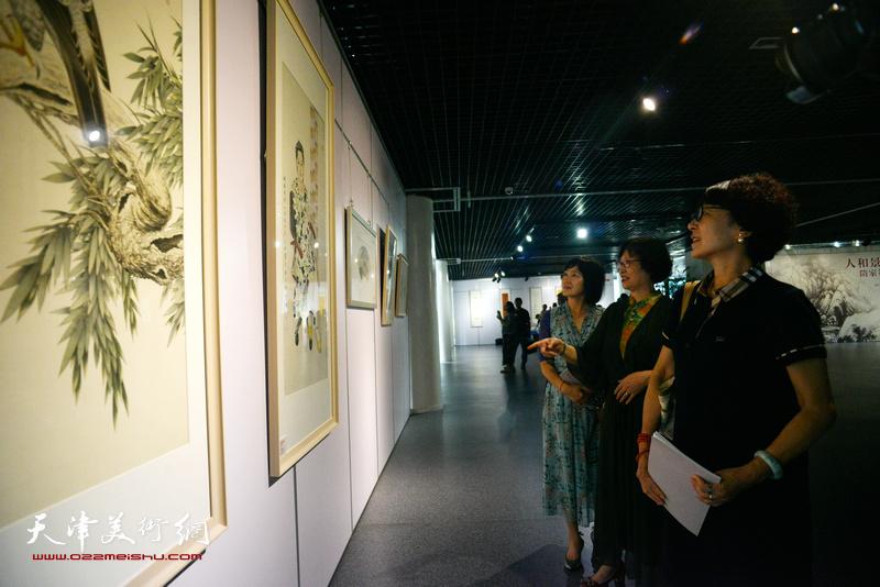"""""""人和景明艺术观—隋家祐书画成就展""""在天津空港经济区文化中心综合展厅开幕。"""