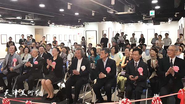 霍春阳书画艺术展开幕仪式现场。
