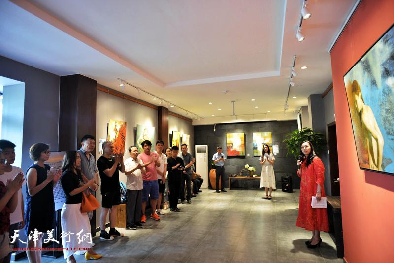 """""""生命与视野""""台湾艺术家李长青先生油画作品展8月4日在十方雅集画廊开幕。"""