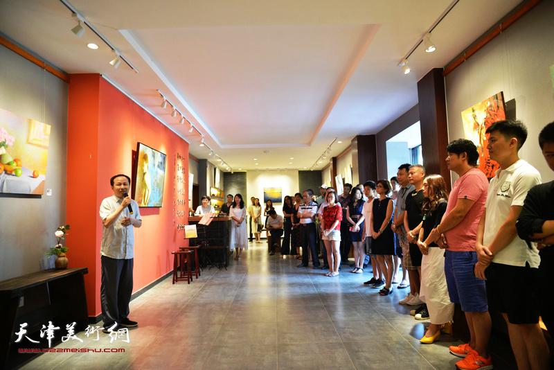 """""""生命与视野""""台湾艺术家李长青先生油画作品展在十方雅集画廊开幕。"""