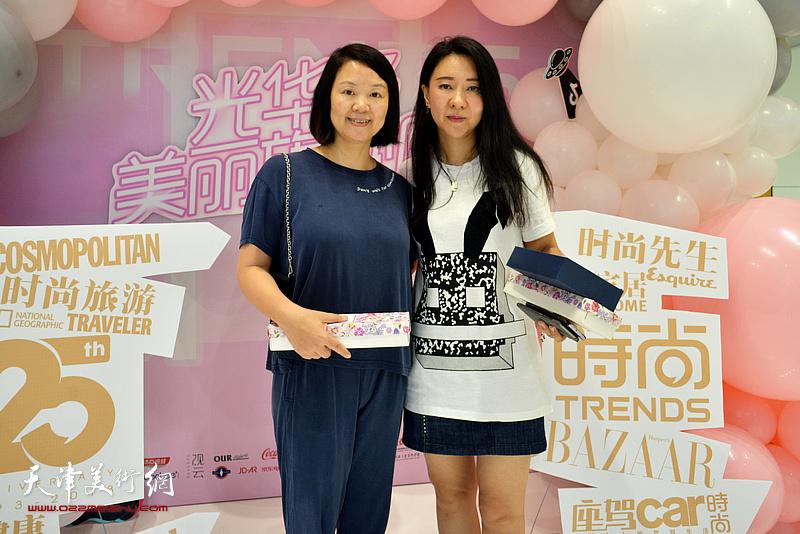 刘芳与清华经管学院硕士办公室副主任谢绮红在活动现场。