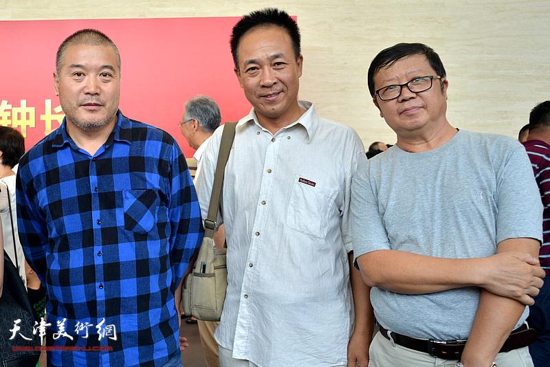 萧珑、王景奎、李金玺在展览开幕活动现场。