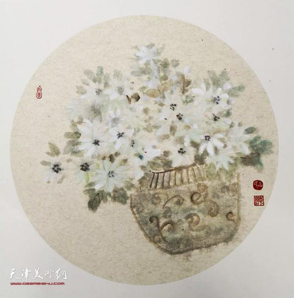 万博manbetx安卓版女画家吕爱茹花鸟画作品。