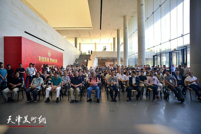 花间逸趣·当代中国花鸟画系列展在天津美术馆开幕