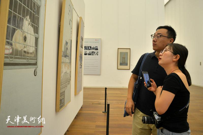花间逸趣·当代中国花鸟画系列展在天津美术馆开幕。