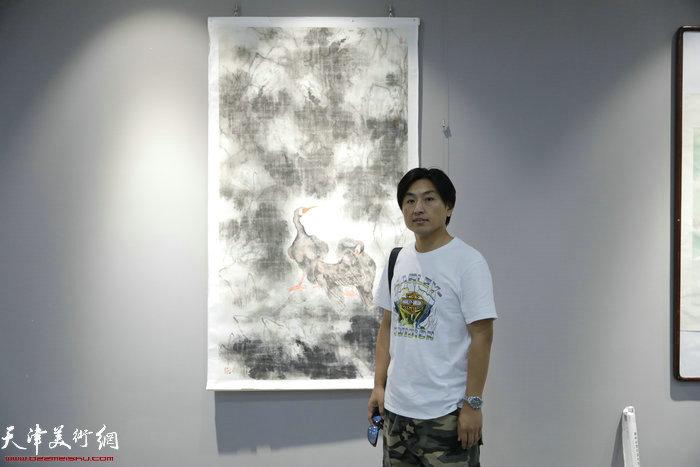 刘璐在画展现场
