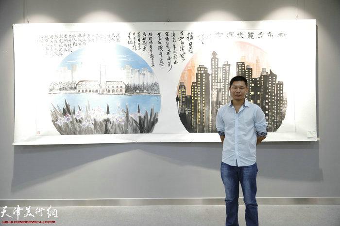 郑伟在作品展现场
