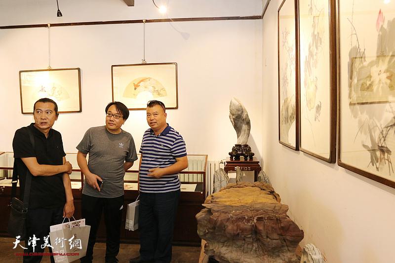 著名画家阮克敏个人作品展