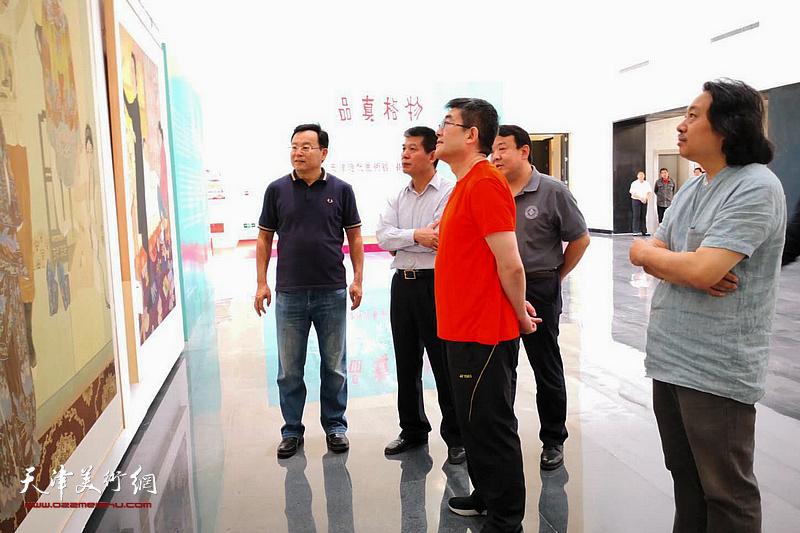 天津市委常委、宣传部长陈浙闽同志在天津画院参观调研