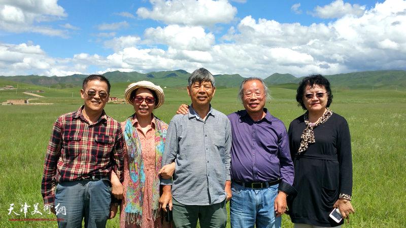 左起:尚金声、崔燕萍、张礼军、王金厚、刘正在桑科草原