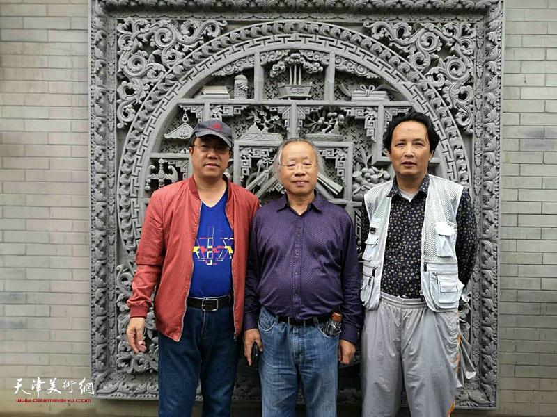 王金厚、刘绍斌、杨永茂在东公馆