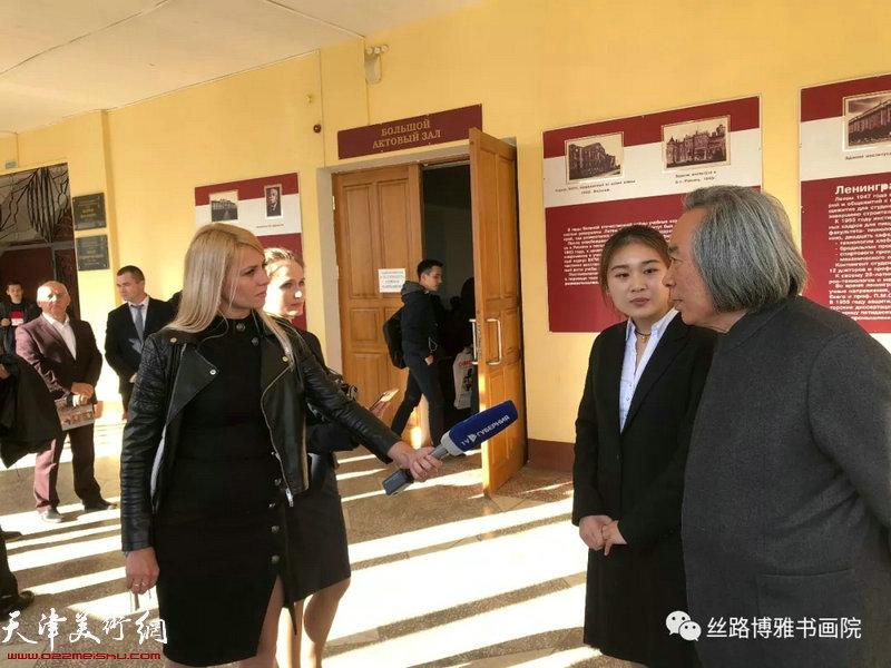 霍春阳教授接受沃罗涅日电视台采访。