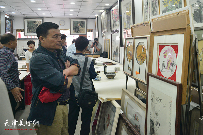 著名画家王惠民花鸟画作品展在鹤艺轩开展