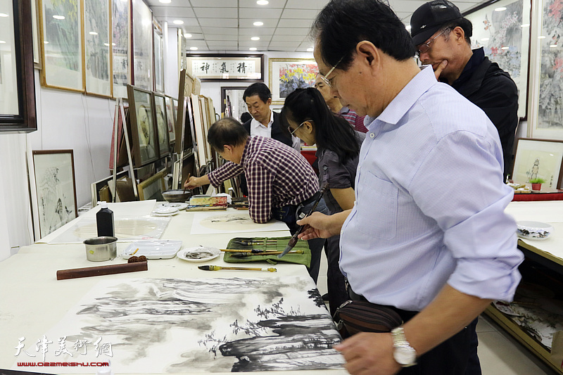 星四艺术沙龙书画家走进鹤艺轩开展联谊活动