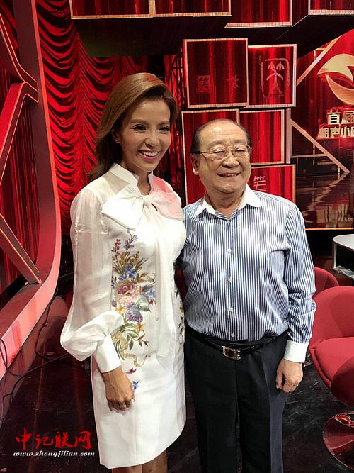 魏文亮在《中国首届相声小品大赛》现场。