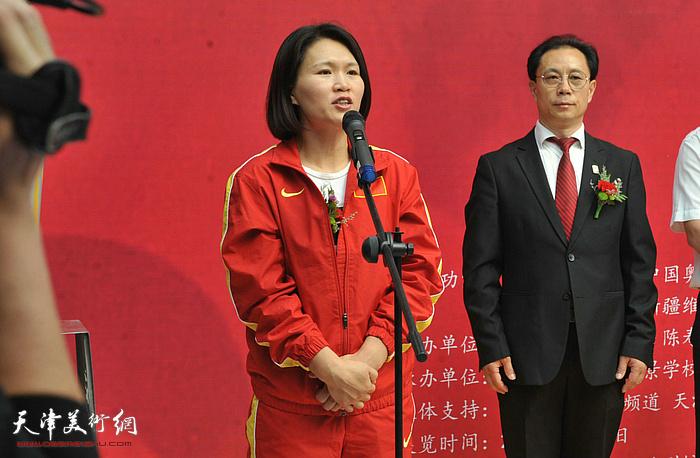 山东省首位奥运冠军林伟宁在张大功奥林匹克收藏博物馆开馆仪式上辞辞