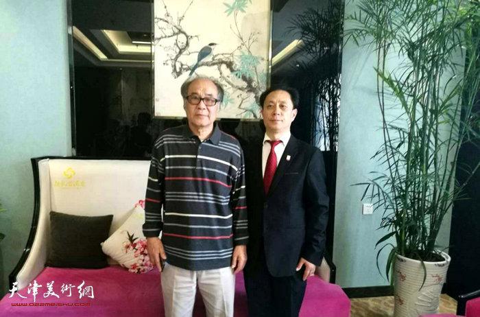 郭书仁与张大功在潍坊张大功奥林匹克收藏博物馆