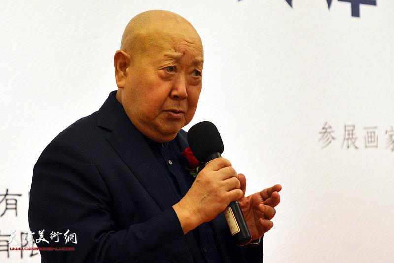 著名京剧表演艺术家尚长荣致辞。