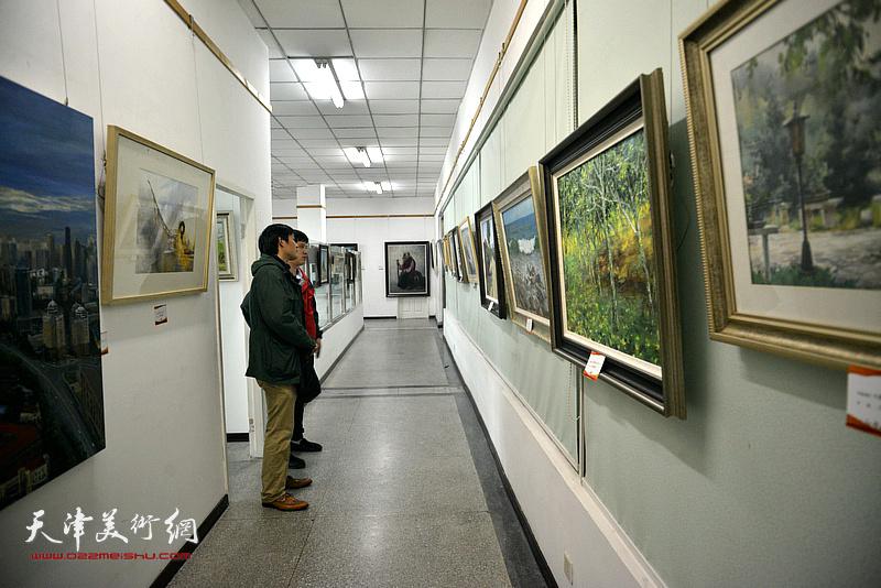 庆祝改革开放40周年暨南开人民文化宫成立60周年优秀美术作品展16日开幕。