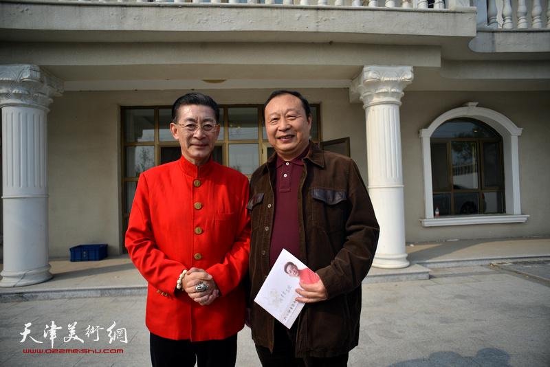 章金莱与陈聿东在艺术馆。
