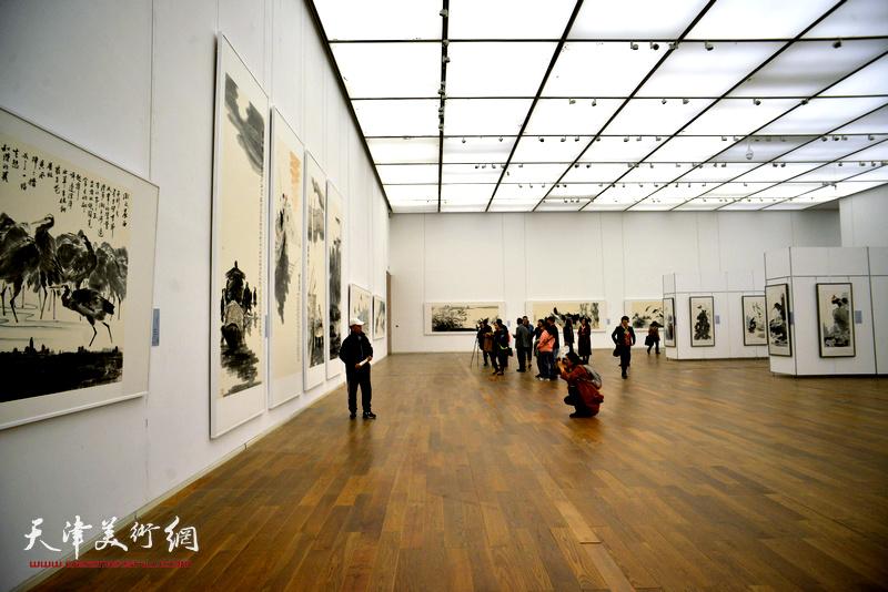 """""""新时代、新作为——孟庆占书画作品展""""开幕仪式现场。"""