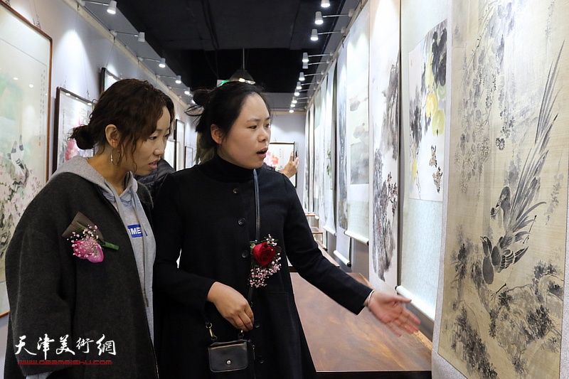 天津女子画院创作基地在爱琴海购物公园揭牌