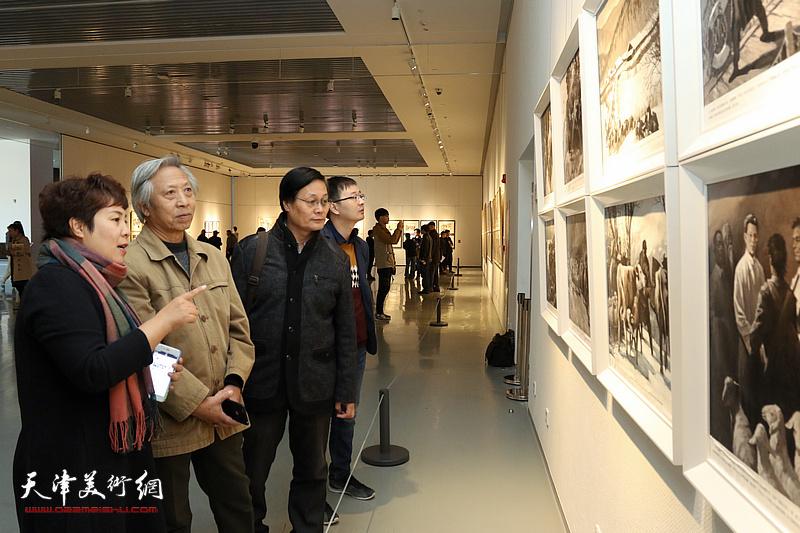 第五届全国架上连环画展在滨海美术馆开幕