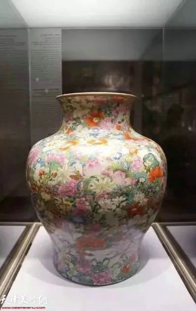 法国巴黎吉美美术馆收藏 万花锦纹罐
