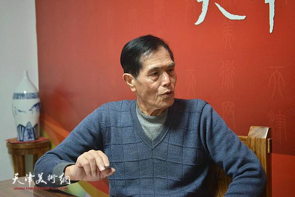 著名画家谢玉玺做客天津美术网