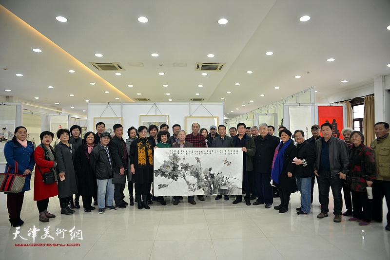 新时代新征程一庆祝改革开放四十周年书画展11月6日在天津市文物公司开幕。