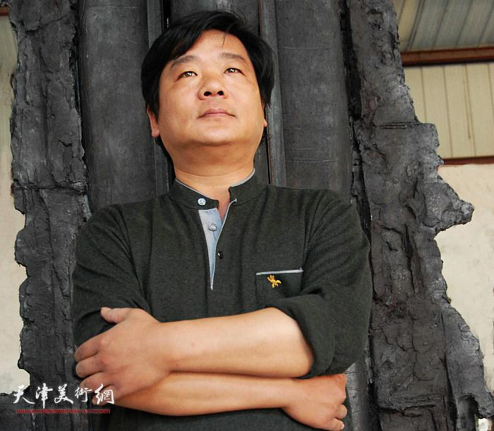 雕塑家、天津工艺美术大师杜雷