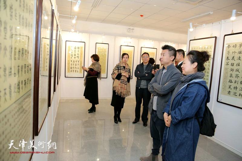 """马魏华""""汉字书法艺术展""""现场。"""