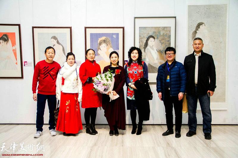 (左起)苑连喜.温雅.刘春燕.于栋华.李佳.付和平.马洪伟