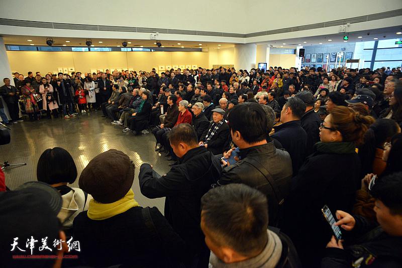 大匠之园——白庚延艺术作品展在天津美术学院美术馆开幕。