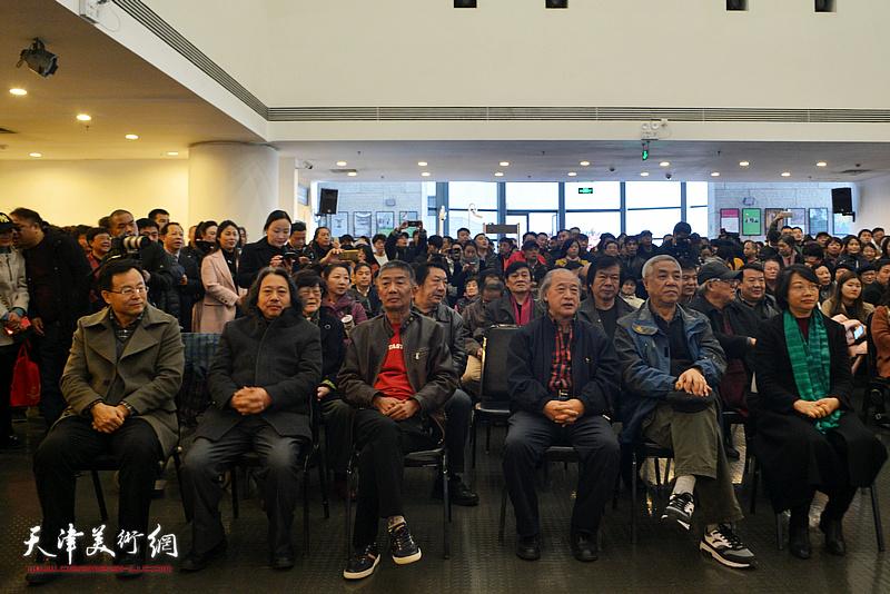 左起:张桂元、贾广健、邓国源、王书平、姜陆、孙杰在开幕仪式现场。
