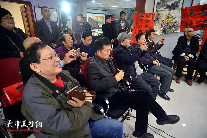 安长生、宁春圃、尹秋海、韩祖音、吴景玉、杨利民在拜师仪式现场。
