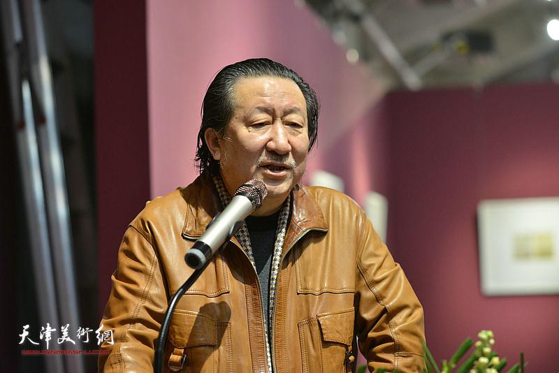 中国国家画院院长、中国美术家协会副主席杨晓阳致辞。