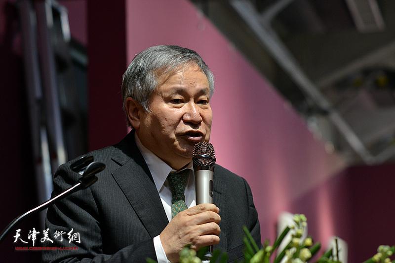 《芥子园画传图释》编委会主任、李可染画院院长李庚致辞。
