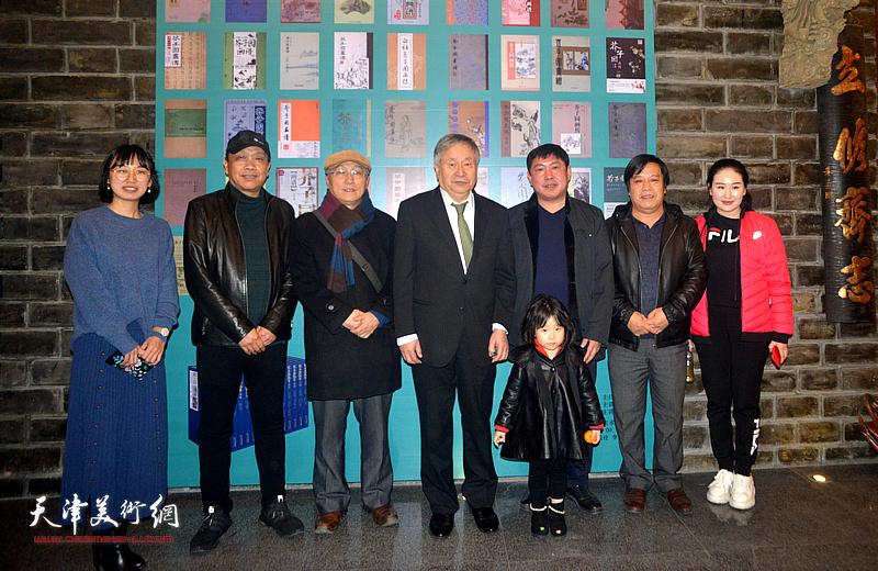 左起:尹冰、赵德昌、何东、李庚、高振、李耀春、王海昆在活动现场。