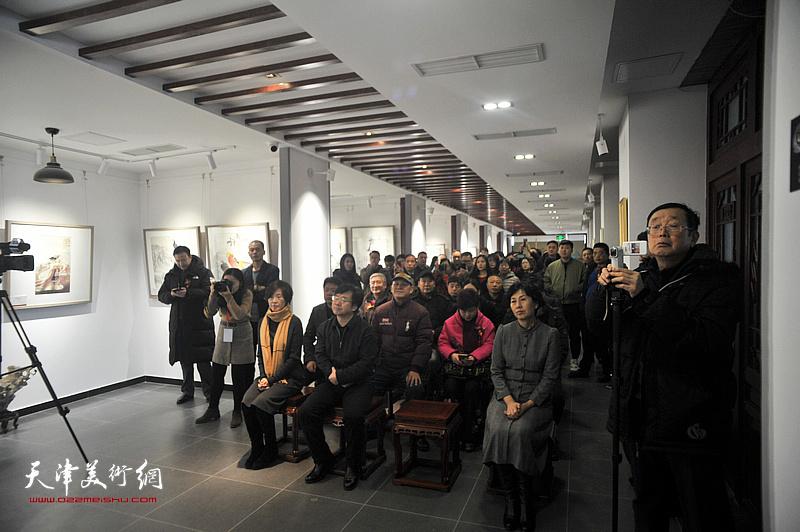 荣宝斋(天津)杨柳青分部开业典礼暨名家书画邀请展开幕仪式现场。