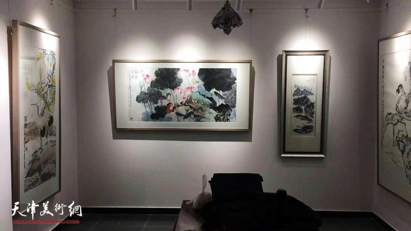 荣宝斋(天津)杨柳青分部书画名家邀请展现场。