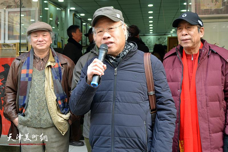 中国扬州八怪研究院天津院院长、著名人物画家王金厚致辞。