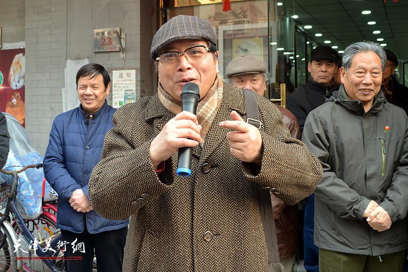 天津硬笔书法研究会会长、中国楹联书画院常务副院长赵士英致辞。