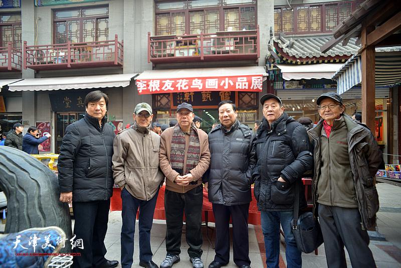 左起:翟洪涛、王印强、郭凤祥、杨利民、张永生、房师武在鹤艺轩。